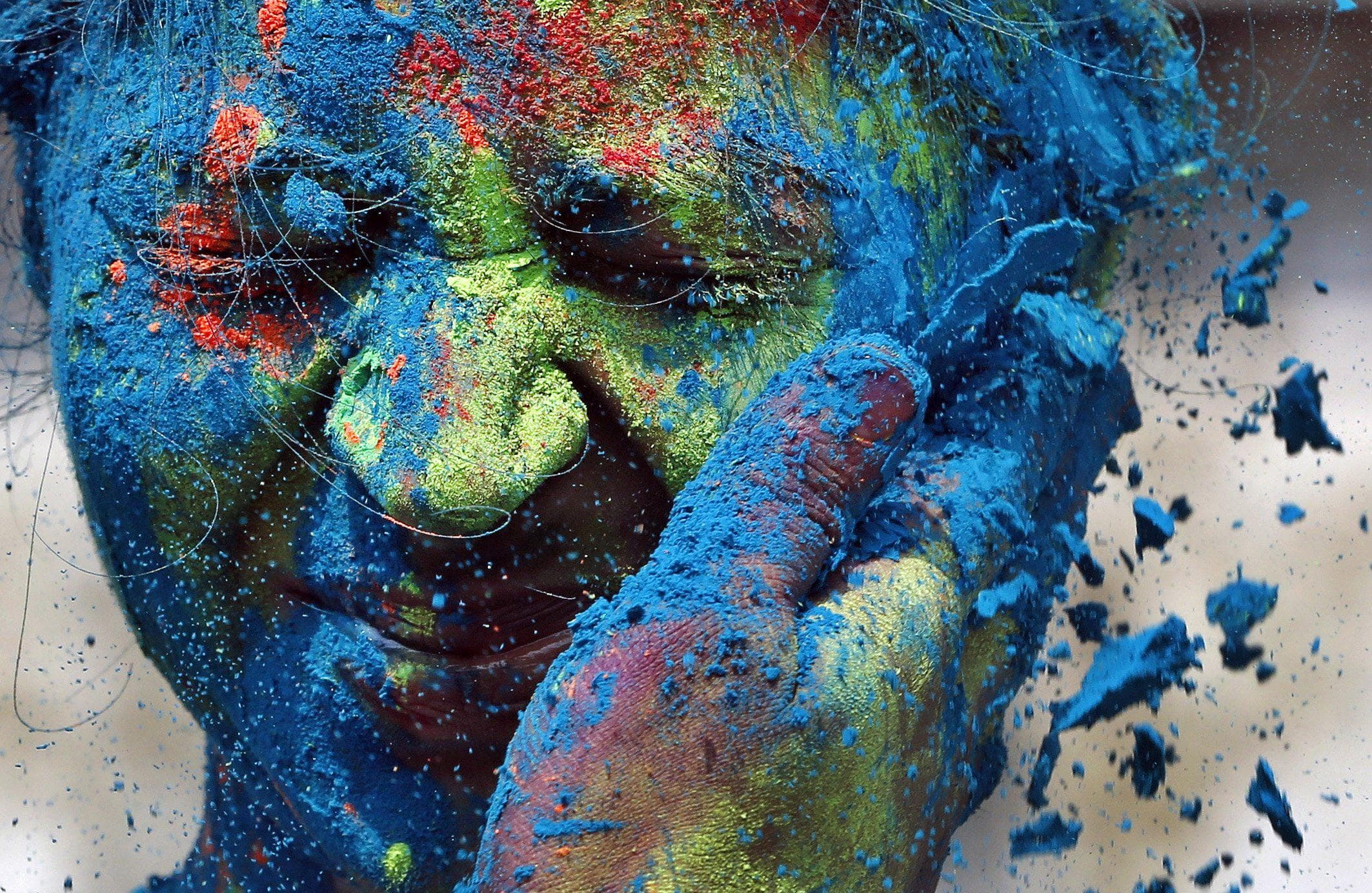 holi-color-festival-in-india-min